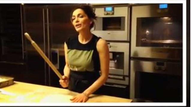 Η Δέσποινα Βανδή έφτιαξε το μπισκοτοδεντράκι μας! [PHOTO]