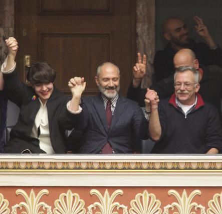 Βαλλιανάτος: έκρηξη αγάπης στα θεωρεία της Βουλής για το σύμφωνο