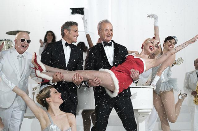 Χριστούγεννα με Τζορτζ Κλούνεϊ, Μπιλ Μάρεϊ & Μάιλι Σάιρους -Όλα τα λεφτά [vds]