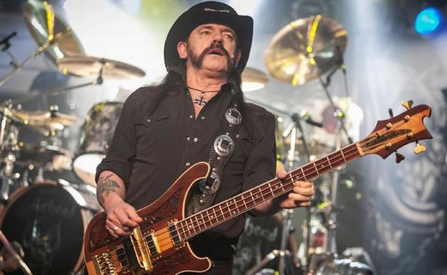 Έφυγε από τη ζωή ο θρυλικός Lemmy των Motorhead