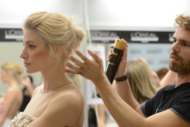 H L'Oréal Professionnel& η Haute Coiffure Française δημιουργούν τα hair looks στο μεγαλύτερο γαμήλιο fashion event της Αθήνας