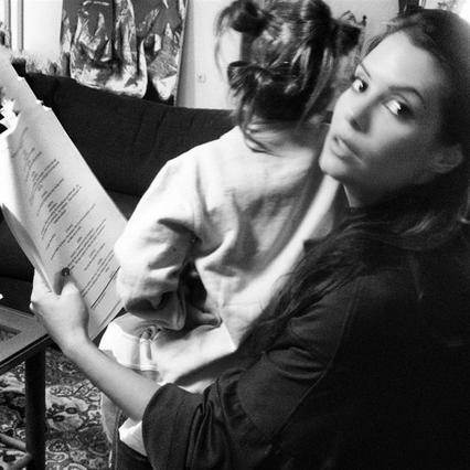 Θα πάθεις πλάκα: Ολόιδιες η Κορινθίου με την κόρη της! [photo]