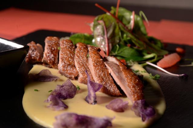 Νέες γεύσεις από βραβευμένους σεφ στο Rakkan