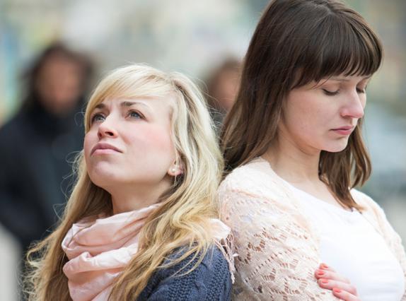 Όταν μια φιλία χαλάει: 5 βασανιστικά ερωτήματα