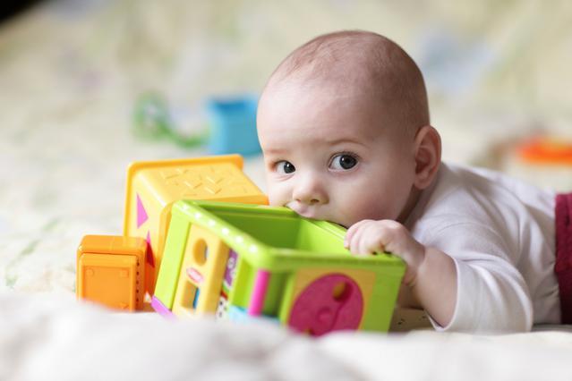 4 ιδέες διασκεδαστικού παιχνιδιού για μωράκια