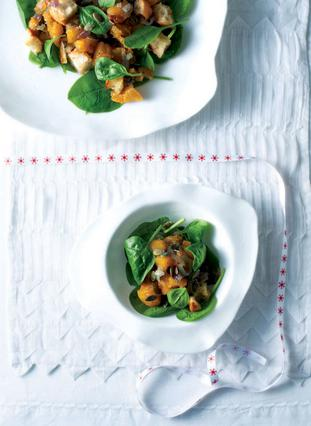 Σαλάτα με κολοκύθα και σπανάκι