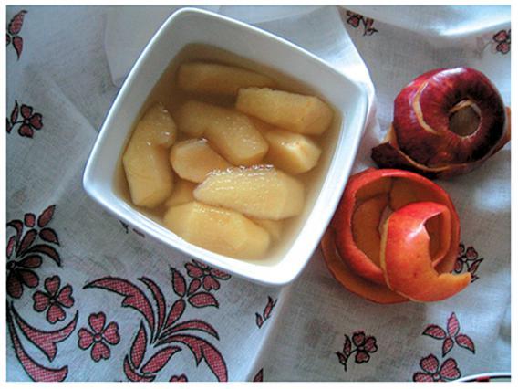Μήλα κομπόστα με γλάσο ταχινιού