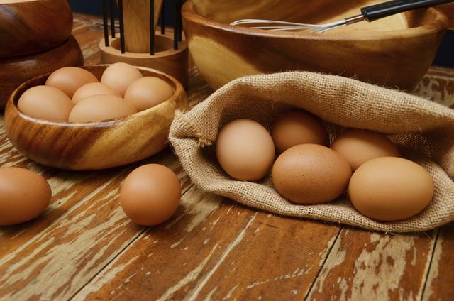 5 απίθανα κόλπα για βραστά αυγά χωρίς απώλειες
