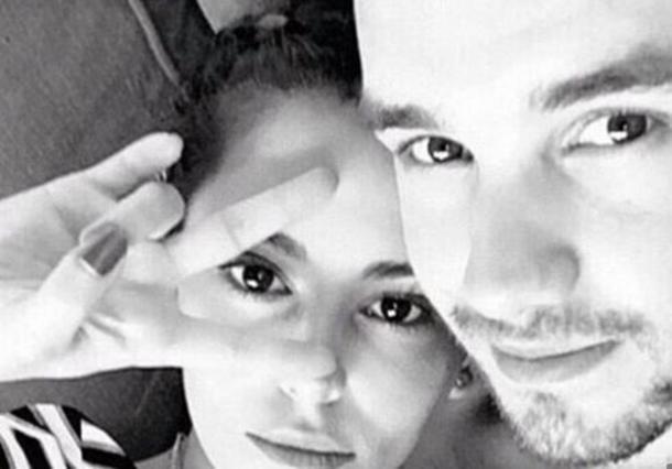 Σέριλ & Λιαμ Πέιν: H selfie στο κρεβάτι αποκαλύπτει τη σχέση τους