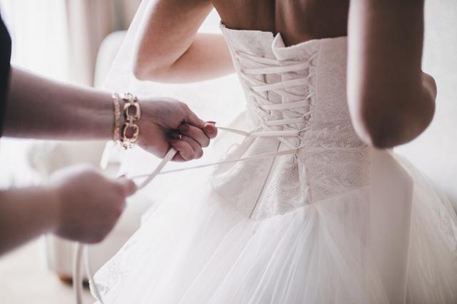 Διάσημη νιόπαντρη ηθοποιός φόρεσε το... νυφικό της στα Όσκαρ [photo]