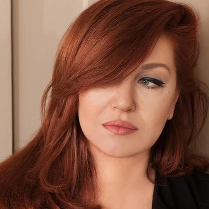 H μεγάλη αλλαγή στα μαλλιά της Καίτης Γαρμπή [photo]