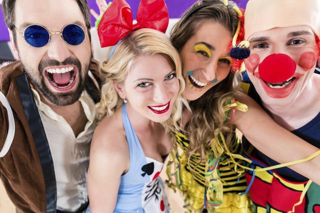 Αποκριάτικο πάρτι με φίλους: Πώς θα το κάνεις & θα περάσεις τέλεια!
