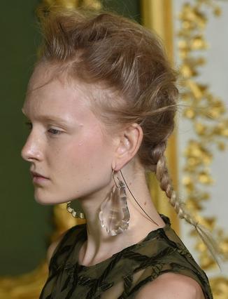 Τα εντυπωσιακά σκουλαρίκια της άνοιξης