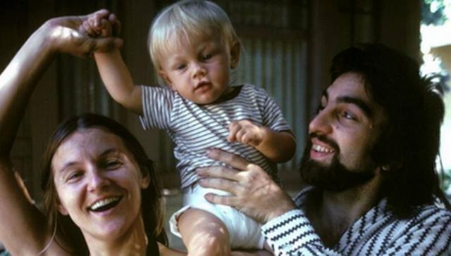 Γιατί έχει προκαλέσει τόσο σάλο η φωτογραφία του ΝτιΚάπριο μωρό;