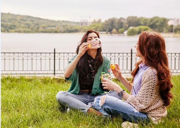 Κοριτσίστικες κουβέντες: Όσα πρέπει να ρωτήσεις την κολλητή