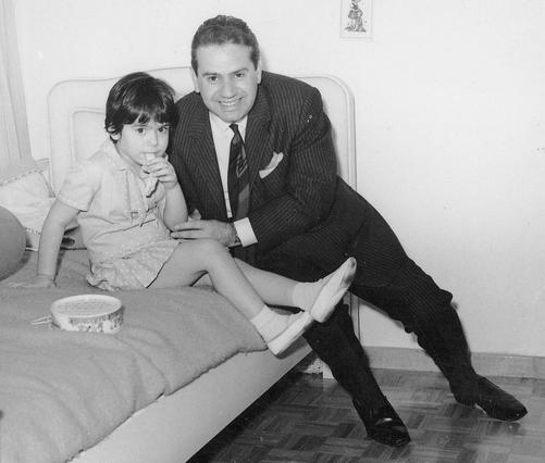 Γιάννης Γκιωνάκης: Δες τον εγγονό & την κόρη του