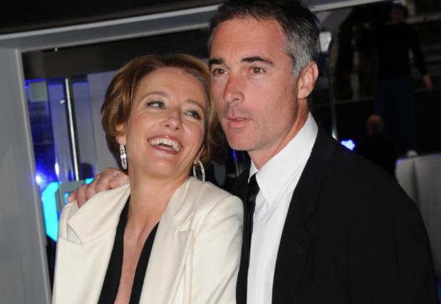 Η Έμα Τόμσον και ο σύζυγός της ποζάρουν γυμνοί [photo]