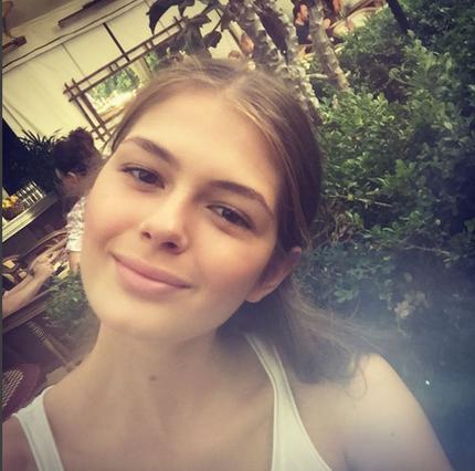 Η κόρη Κωστόπουλου- Μπαλατσινού ποζάρει και επισήμως ως μοντέλο [photos]