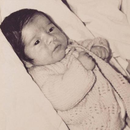 Δεν θα πιστέψεις ποιος παρουσιαστής είναι αυτό το μωρό