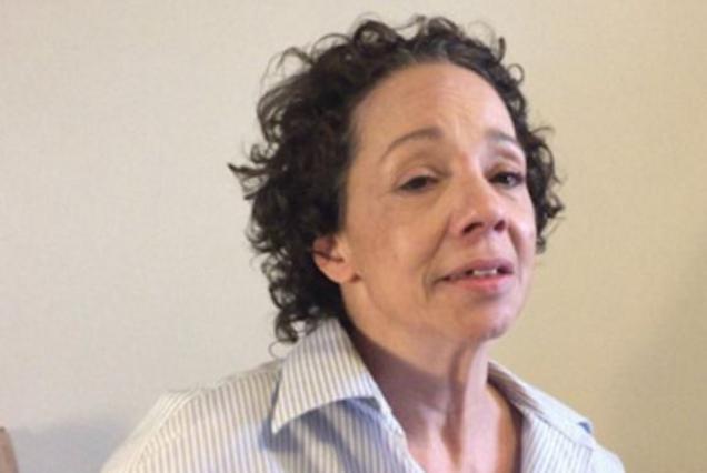Η ναρκομανής αδελφή της Μαράια Κάρεϊ εκλιπαρεί:  Μη με εγκαταλείπεις