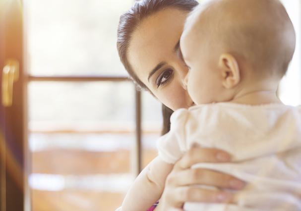 Η μητρότητα στην Ελλάδα και στο εξωτερικό: Σοκαριστικές διαφορές