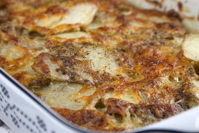 Πατάτες γκρατέν Ντοφινουά αλ Καρούζο