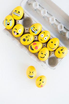 Αβγά emoticons! Πώς θα τα φτιάξεις