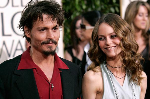 <p>Ο Τζόνι Ντεπ (Johnny Depp) και η Βανέσα Παραντί (Vanessa Paradis) ήταν ζευγάρι επί 15 χρόνια, δεν παντρεύτηκαν ποτέ, αλλά έκαναν μαζί δυο παιδιά. Η πρωτότοκή τους, μεγάλωσε και άρχισε να κάνει δημό