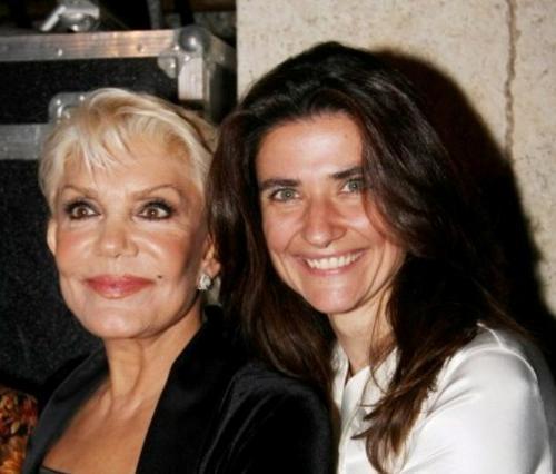 Μαρινέλα:  Έφυγε  ο πατέρας της μοναχοκόρης της