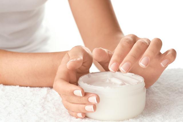 Ενυδατική (moisturizer)