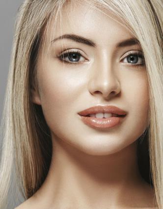 4 σημαντικά μυστικά μακιγιάζ για ξανθές που πρέπει να ξέρεις