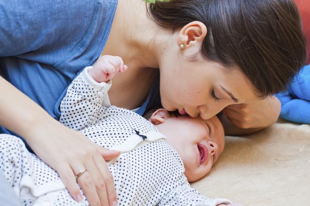 Ν΄αφήνεις το μωρό να κλαίει; Μήπως του κάνει κακό;