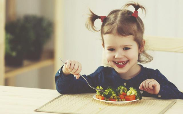 Πώς θα κάνω το παιδί να τρώει λαχανικά;