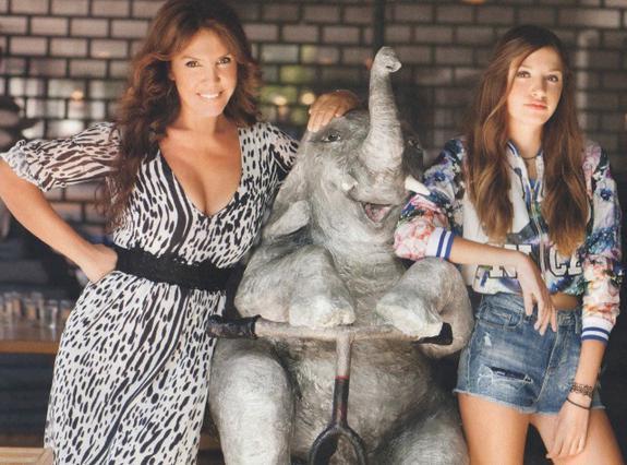 Η Βάνα Μπάρμπα έγινε 50 ετών & φωτογραφίζεται με την κόρη της
