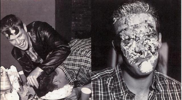 Όταν ο Ματ Ντέιμον βούτηξε το κεφάλι του Άφλεκ στην τούρτα του [photos]