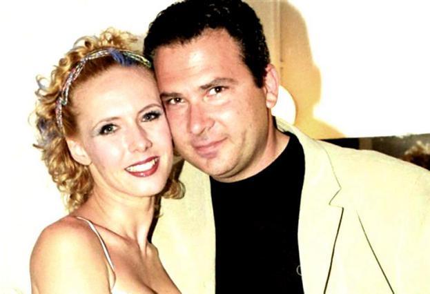 Παντρεύτηκε ο πρώην σύζυγος της Παπούλια - Οι διάσημοι κουμπάροι του!