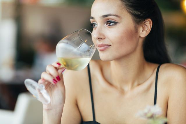 Δείξε μου το ποτήρι, να σου πω πόσο κρασί θα πιείς!