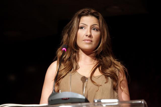 Πόσο πολύ έχει αδυνατίσει η Έλενα Παπαρίζου [photos]