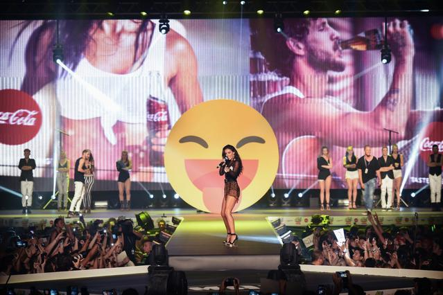 H Coca-Cola Μεγάλος Χορηγός  των Mad Video Music Awards 2016