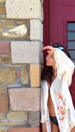 Η Βανδή με λευκό μπικίνι προκαλεί πανικό στο Instagram