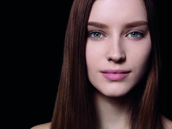 Κέρδισε τα απαραίτητα καλλυντικά του μακιγιάζ σου από την La Roche-Posay