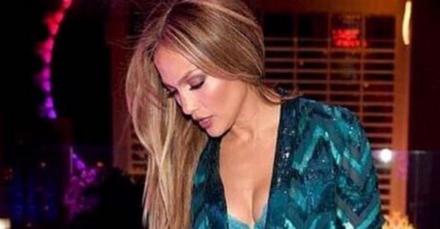 Η Λόπεζ μπαίνει στα 48 πιο σέξι από ποτέ! Δες τι (ΔΕΝ) φόρεσε στα γενέθλιά της
