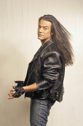 Δες πως είναι σήμερα, ο ηθοποιός των 90ς Θεόφιλος Βανδώρος [photos]