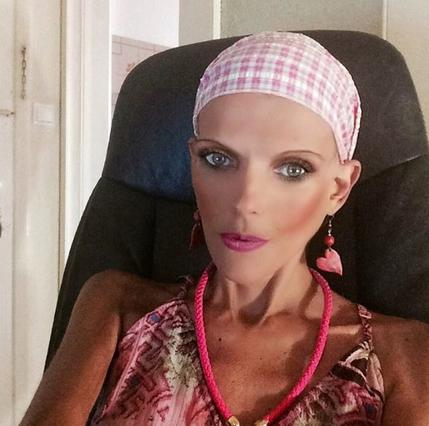 Νανά Καραγιάννη: Ποζάρει με μπικίνι μετά το εξιτήριο από το νοσοκομείο [photo]