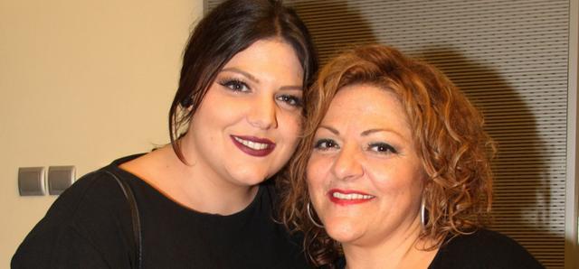 Δανάη Μπάρκα: Η κόρη της Σταυροπούλου σε ανάποδο κατακόρυφο με μαγιό
