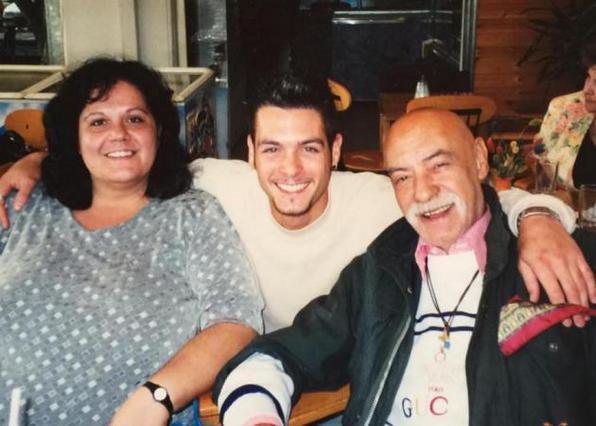 Μπάρκουλης: Το συγκλονιστικό  αντίο  του άγνωστου γιου του [photos]