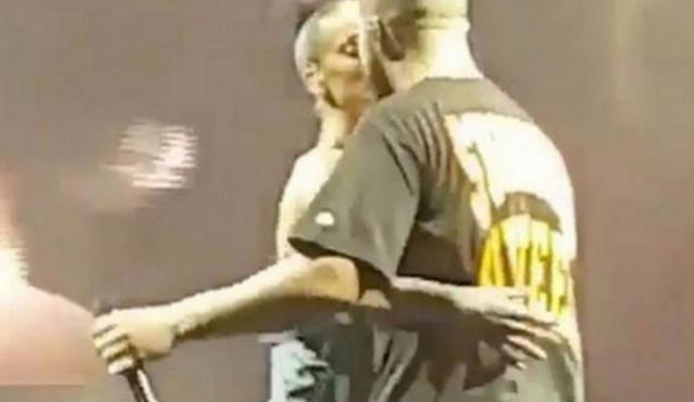 Ριάνα & Ντρέικ: Το φιλί που επιβεβαίωσε τη σχέση [vds]
