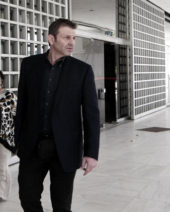 Γκλέτσος: Τα «έσπασε» με τσάμικο σε γάμο στην Πάτρα [vds]