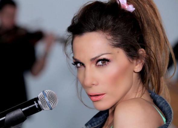 Γνωστός τραγουδιστής: «Δεν έχουμε πλέον σχέσεις με τη Δέσποινα Βανδή»