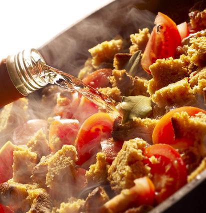 Μαγείρεμα με κρασί: 5 συμβουλές για έξτρα νοστιμιά